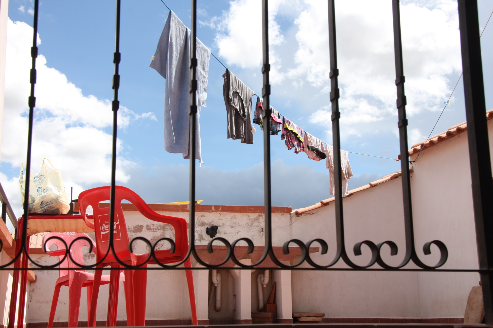 Mes affaires à sécher sur le toit d'un Hostel à Sucre, Bolivia, 2012