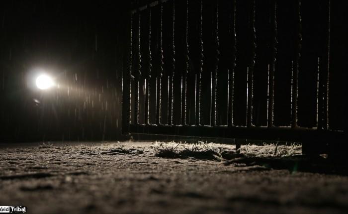 Ca y est, il neige…dit le motard rentré sous les flocons ;)