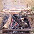 Au Barbecue dimanche dernier, le feu a tenu sous l'averse. De quoi faire sécher les buchent qui avaient prit l'eau dans la brouette