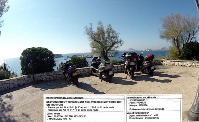 Amende de 135€ pour «Stationnement très gênant» – L'Article R417-11 dispense les motos !